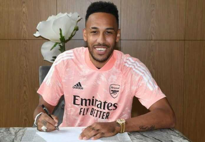 Aubameyang prolonge à Arsenal — Officiel